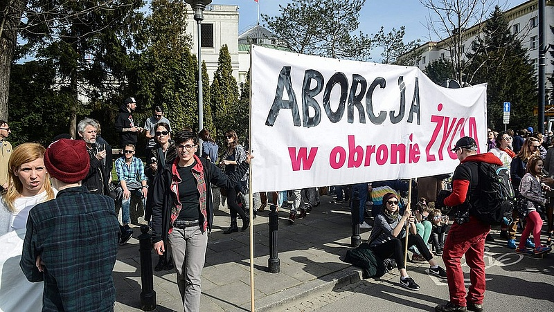 Lengyel tüntetések: nem akarnak a középkorban élni