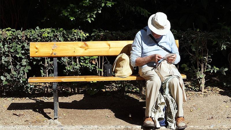 2035-től fenntarthatatlan lesz a nyugdíjrendszer, fel kell készülni rá