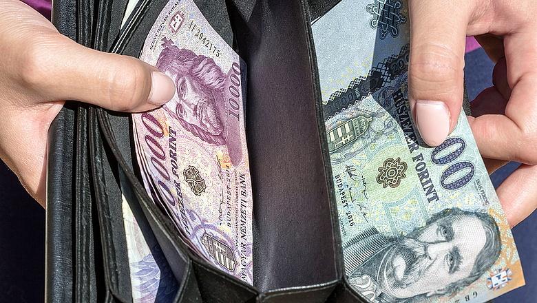 Meglepő adatok jöttek a magyar bérekről