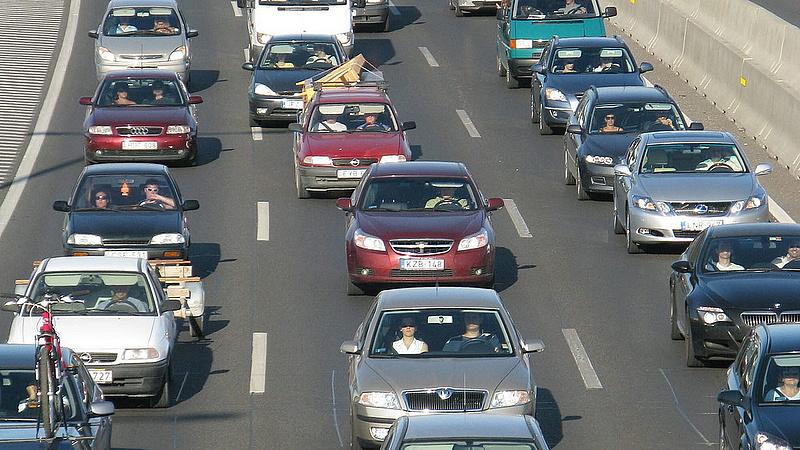 Olcsóbb sztrádamatrica: csak az autósokon múlik!