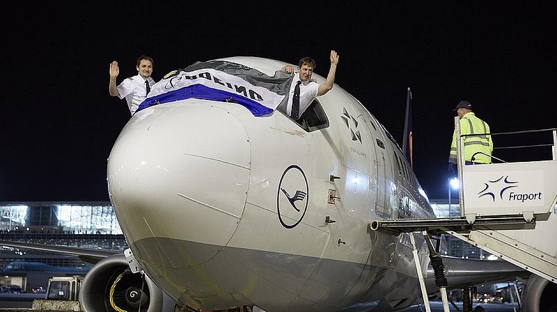 A hadiipar húzta fel a Boeing számait