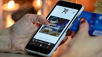 A magyarok a boltzárak ellenére is alig vásárolnak az interneten