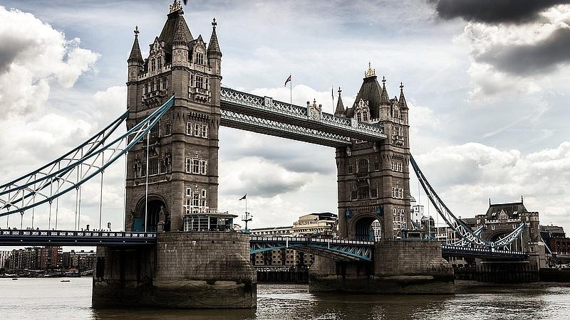 Lelőttek egy késelőt Londonban