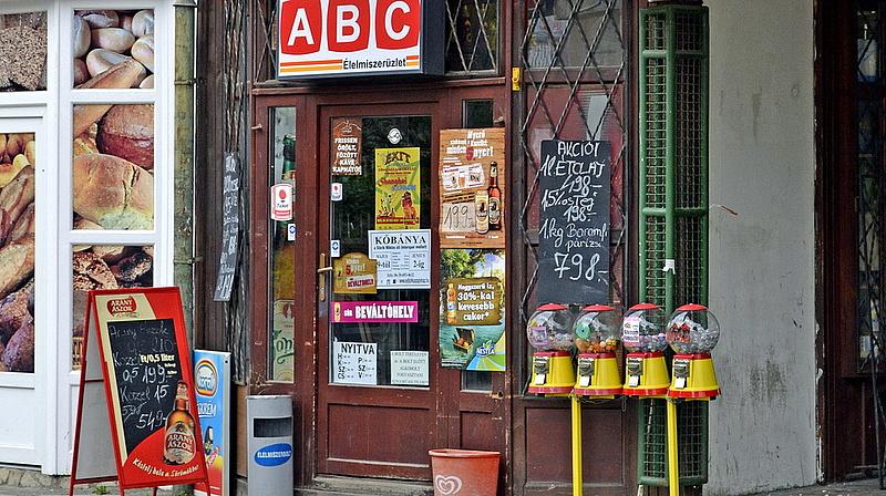 Jövőre kemény világ jön a magyar boltokban