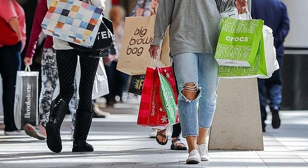 Meglepetésre, de nőtt az amerikai kiskereskedelmi forgalom