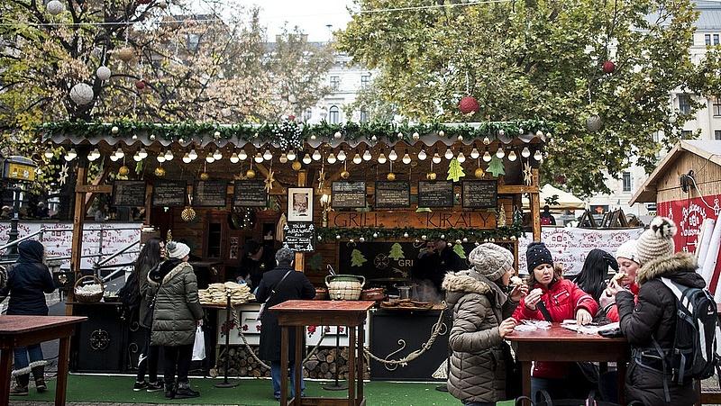 Lefújták a Vörösmarty téri karácsonyi vásárt  (frissítve)