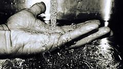 Veszélyben a biztonságos ivóvízellátás - figyelmeztették a kormányt