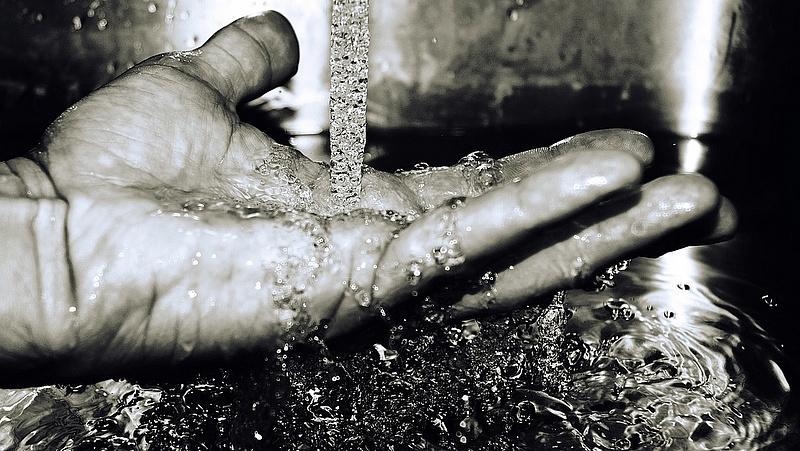 Vízmű: csak undorító és büdös, de nem ártalmas a csapvíz