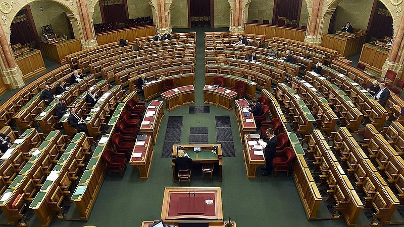 A képviselők, akik egyszer sem beszéltek idén a parlamentben