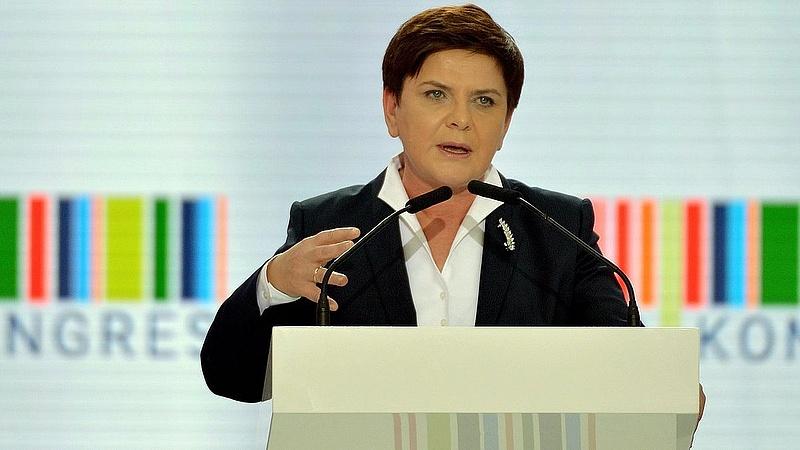 Balesetet szenvedett a lengyel kormányfő
