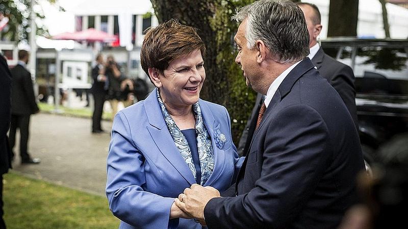 Orbán Viktor Varsóba utazik