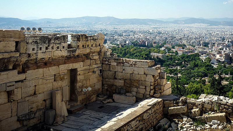 A görög határok már áprilisban kinyílhatnak az EU-s turisták előtt