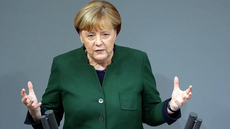 Merkel nyílt fenyegetést tett - az Orbán-kormány szőnyeg szélére kerülhet