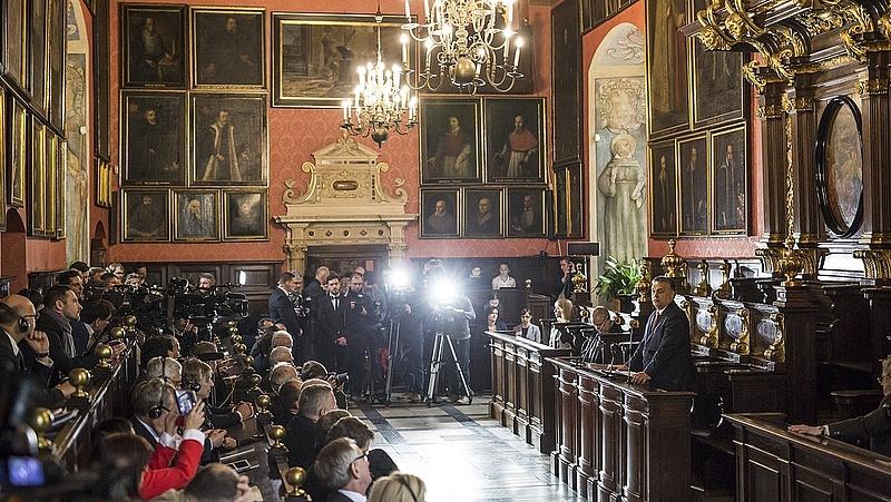 Bukásra áll az Orbán-modell