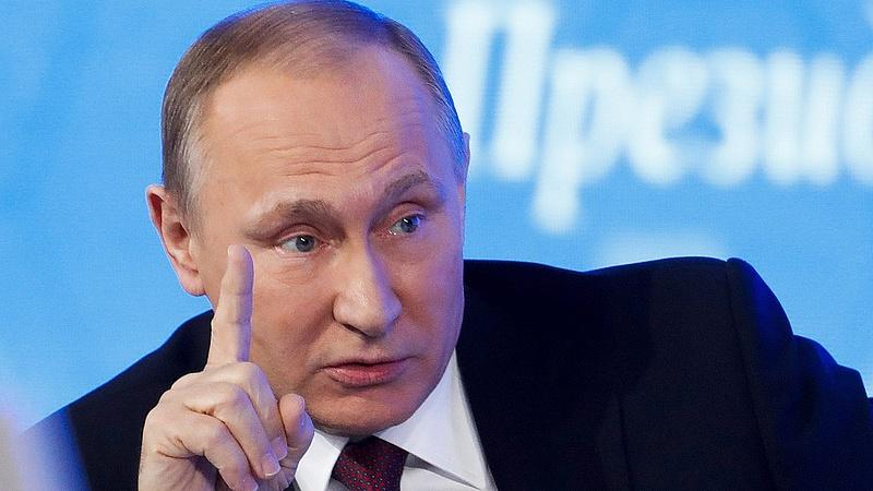 Putyin feldobta a magas labdát Merkelnek a Kremlben