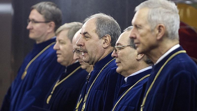 Az Alkotmánybíróságon támadta meg a civil törvényt az LMP