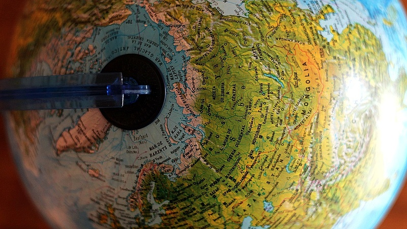 Az oroszok optikai kábelt fektetnek a Barents-tenger alatt