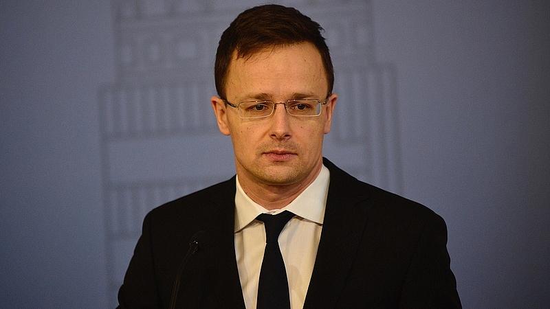 Piros lapot mutatott Szijjártó Ukrajnának