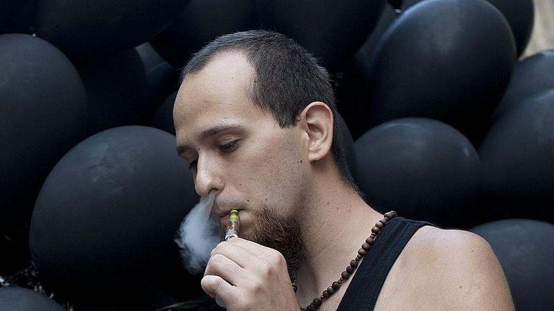 Dohányosok, figyelem! Adóemelés jön áprilisban
