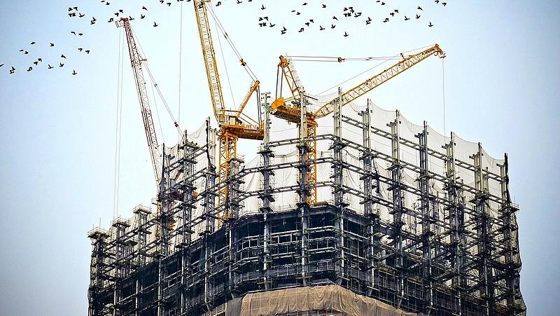 Drágulás és feszítő munkaerőhiány mellett kilőtt az építőipar