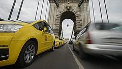 Kemény lépésre készül Budapest - kiszórnak szinte minden taxit (frissítve)