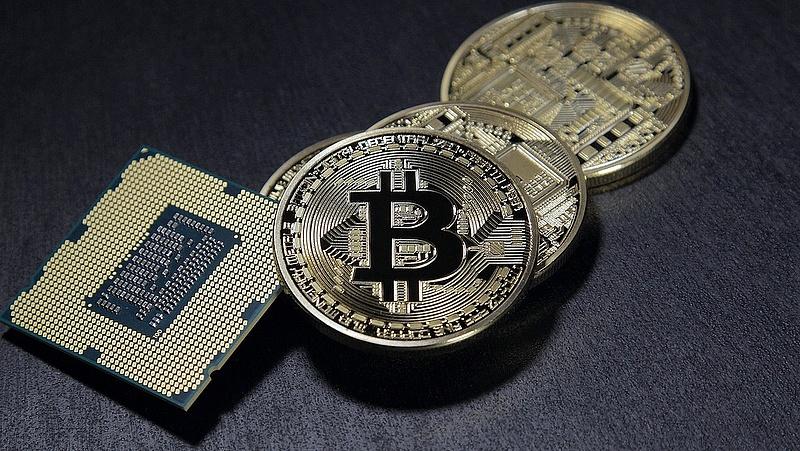 Nagyot esett a bitcoin