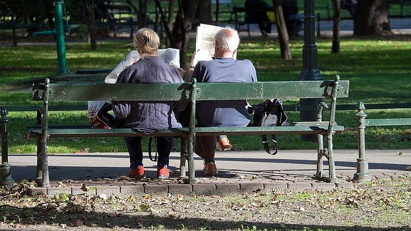 Döntött a kormány: a nyugdíjasok korlát nélkül kaphatják az extrapénzt
