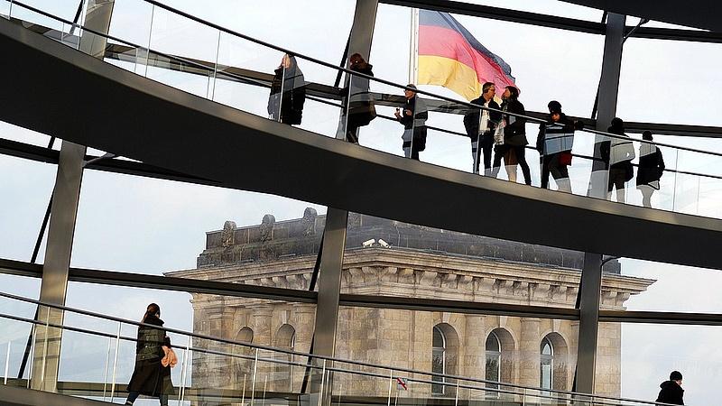 Gyorsít a német lokomotív
