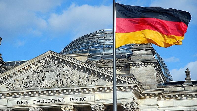 Ritka nehéz napra készül Merkel