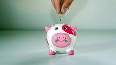Tízéves a magánnyugdíj-államosítás: milliókat nyertek, akik nem dőltek be a kormány fenyegetésének