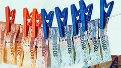 Nagyot nőtt a pénzmosásgyanús ügyletek szám - állami szervek is érintettek