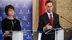 Nemlétező mumustól retteg a magyar kormány