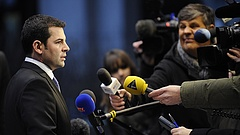 A román kormányfő kezdeményezi a miniszterelnök-helyettes leváltását