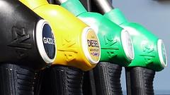 Elhúz a gázolaj ára a benzinétől