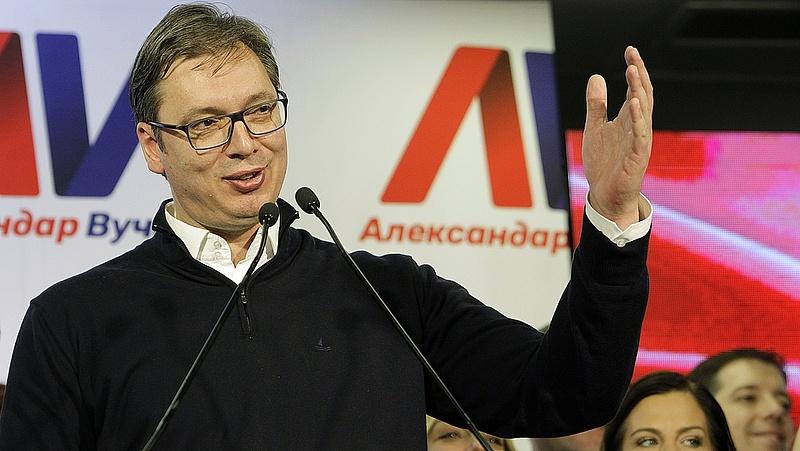 Újraindul a pártelnöki posztért Aleksandar Vucic államfő