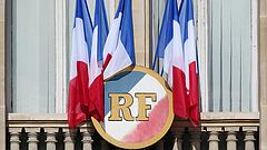 A gazdagoknak is adókedvezményt adna az új francia kormány