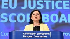 Újabb intés Brüsszeltől - ez Magyarországra is vonatkozik
