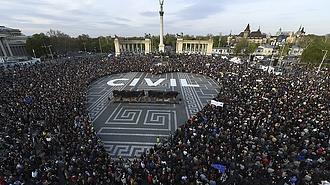 Új civilellenes törvényt fogadott el a parlament (TASZ)
