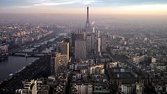 Párizs egyre nagyobb veszélyben (videó)
