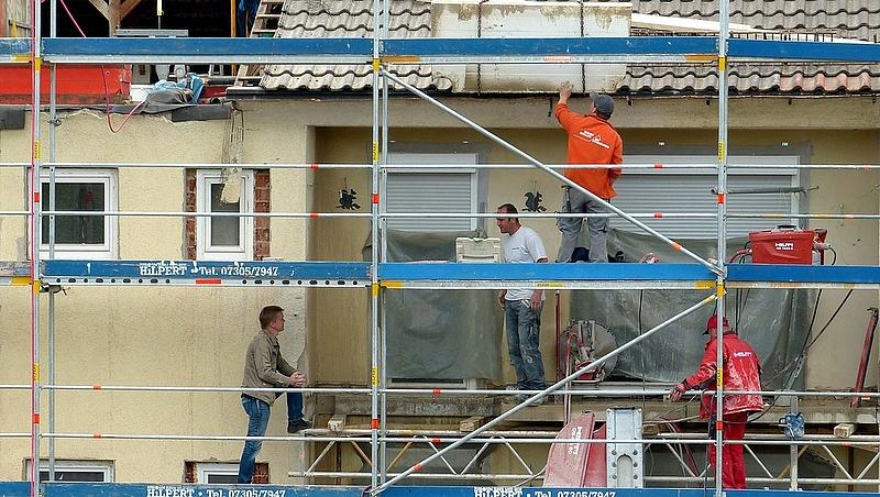 Fordulat az építőanyagok piacán, lefelé tartanak az árak