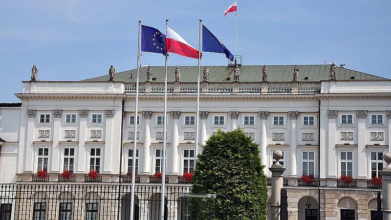 Óriási fordulat: a lengyelek Brüsszelt választják