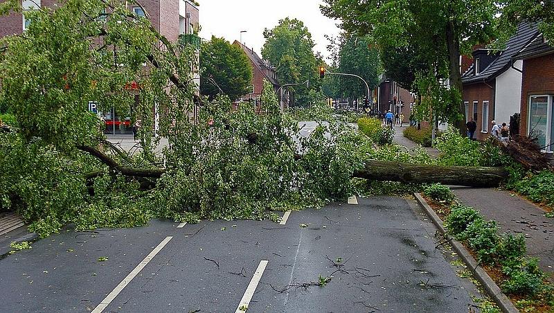 Autósok, figyelem: az ORFK is figyelmeztetést adott ki a viharok miatt