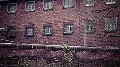 Nyolc új börtön építése indul