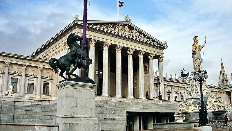 Már ez a kérdés Európában: Brüsszel (és Berlin) vagy Budapest