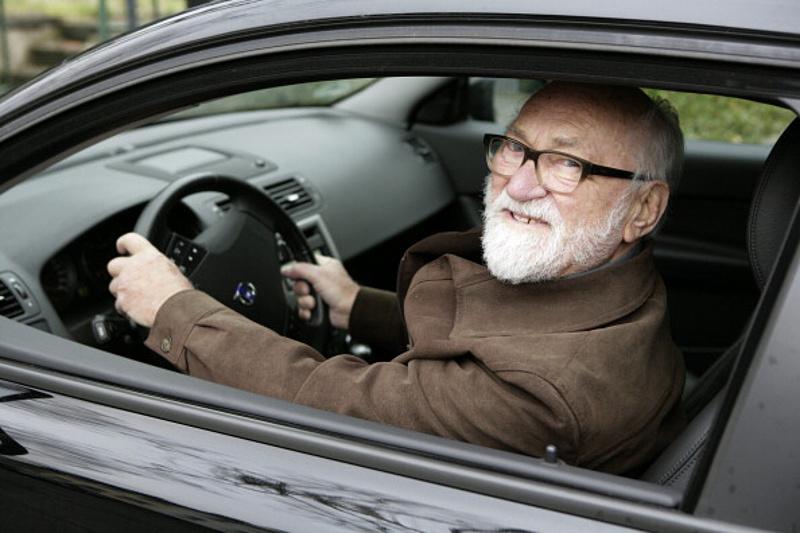 Figyelmeztetést adott ki a rendőrség - nyugdíjas autósok halmozottan érintettek