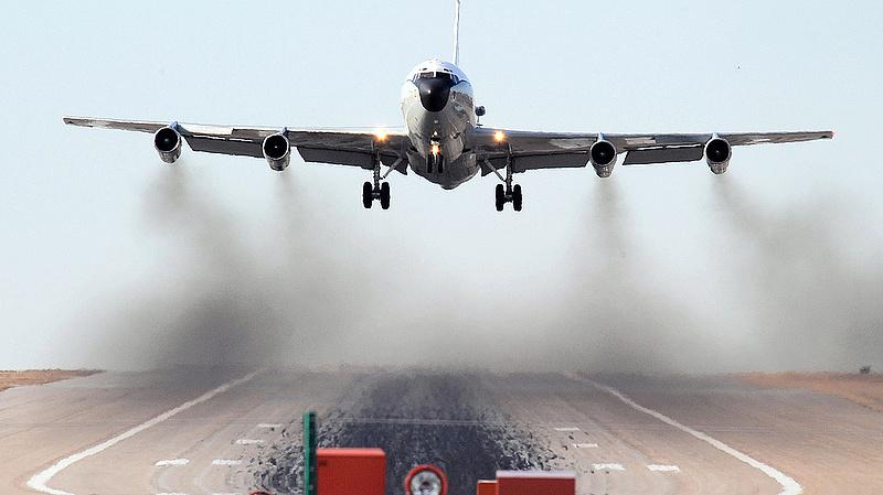 Kínai vadászgép üldözött egy amerikai gépet