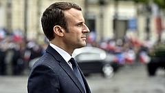 Mit vert Macron Trump fejébe?