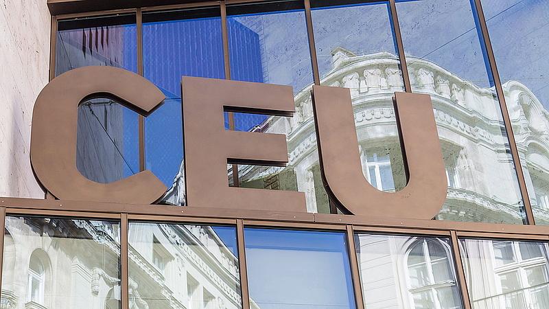 CEU - A magyar kormány leült a new york-i kormányzóval