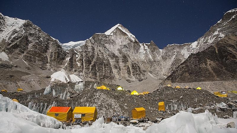 Koronavírus: Kína leállíttatta a Mount Everestre induló expedíciókat