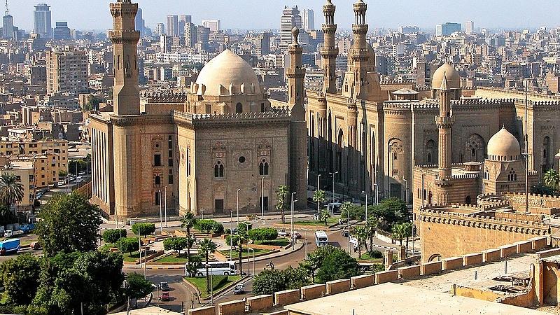 Váratlan, kellemetlen meglepetés érte a Kairóba indulókat